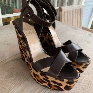 AUTH. Christian Louboutin Leopard Wedge 39.9